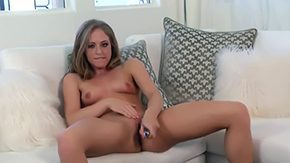 Free Keira Kelly HD porn I Desire Bangin Attractive slutty blonde with shaved pussy is sticking it deep with glass ding-dong