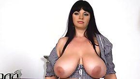 Free Joanna Bliss HD porn Cute kitty Joanna Bliss gives pleasure