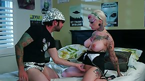 Punk HD porn tube freaky chick gets eaten out