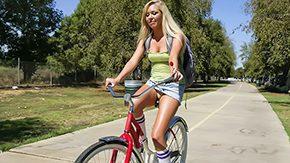 Upskirt, Blonde, Clothed, Facesitting, High Definition, Miniskirt