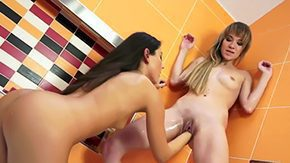 Iwia, Banging, Barely Legal, Bath, Bathing, Bathroom