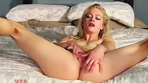 Free Bella Bends HD porn Bella Bends can put her legs behind head person we all see flirtatious pink pussy that much better She works clit manually because sweet orgasm Enjoy have lots of fun
