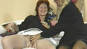 HD Mature lesbians kissing and fingering their pussies