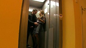 Elevator HD Sex Tube Roberta Gemma Fixes Elevators and Sucks Cock Multi Superior
