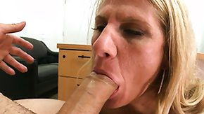 HD Bodybuilder Sex Tube Bodybuilder MILF slut team-fucked with the addition of gulfing rod cognate with a young toddler