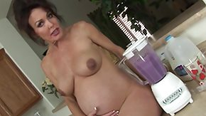Pregnant HD porn tube pregnant matriarch has the brush smoothie