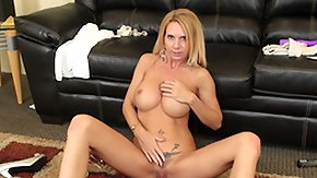 HD Reach Around Sex Tube Brooke suggests lusciuos female and does a reach around then squats to finger