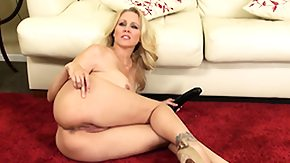 Julia Ann, Black Granny, Blonde, Dildo, Fucking, Masturbation