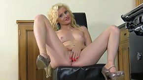 HD Brooke Logan tube Kitchens Gettin Libidinous creamy skinned babe Brook Logan demonstrates in nipp of camera her shaved pussy as well butthole