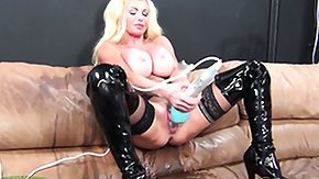 Taylor Wane High Definition sex Movies Taylor Wane uses the pair of headed sex toy 'tween both her ass and weak partner